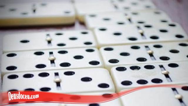 Pelajari Urutan Nilai Dalam Domino